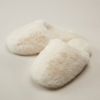 Love & Lore Love And Lore Faux Fur Slipper Ivory Medium/Large
