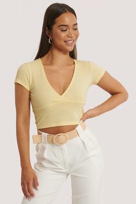 NA-KD Short Sleeve V-Neck Top