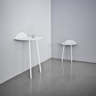 Menu Yeh Coffee Table Size: Tall, Table Top Color: White