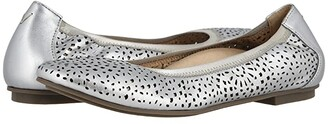 Vionic Robyn Perf (Black Napa) Women's Shoes