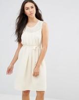 Lavand Tie Waist Sleeveless Dress In White