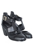 Select Fashion Fashion Womens Black Cutout Zip Back Heel - size 3