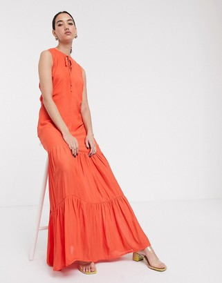 Soaked In Luxury tirered maxi dress