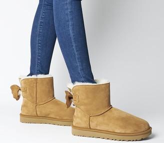 UGG Star Bow Mini Boots Chestnut
