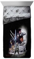 Star Wars Ep 8 Epic Poster Black/Gray Reversible Twin Comforter with Rey, Finn, Poe, Kylo Ren, Luke Skywalker, Leia, BB-8, C3-PO, R2-D2 & Chewbacca