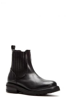 Frye Ella Chelsea Boot