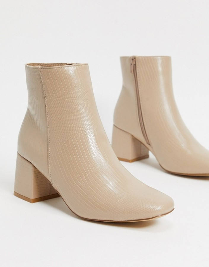 New Look block heeled boot in oatmeal lizard