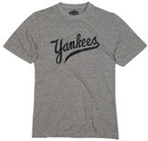 Red Jacket Men's 'New York Yankees' Trim Fit T-Shirt