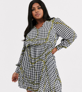 Simply Be v neck shirt dress with pleated skirt in chain print