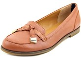 Tommy Hilfiger Letyan Round Toe Leather Loafer.