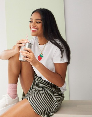 New Look strawberry tee in white