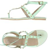 Eye Thong sandals