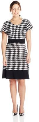 Star Vixen Women's Plus-Size Colorblock Short Sleeve Skater Dress