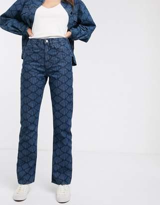 WÅVEN Birte allover logo straightcut jeans-Blue