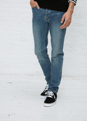A.P.C. Men's Petit New Standard Washed Stretch Jean in Washed Denim Size 30 Cotton/Polyurethane