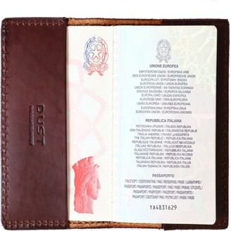 The Dust Company Mod 132 Passport Holder in Cuoio Havana