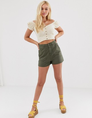 Miss Selfridge cargo shorts in khaki-Green