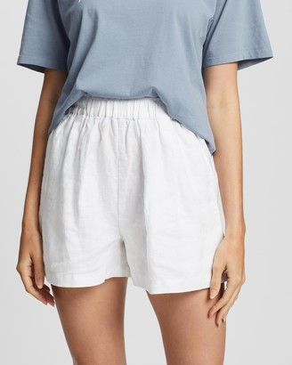 Assembly Label - Women's White High-Waisted - Noma Linen Shorts - Size 6 at The Iconic