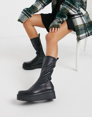 Vagabond Tara flatform calf boot in black