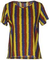 Laura Urbinati T-shirts