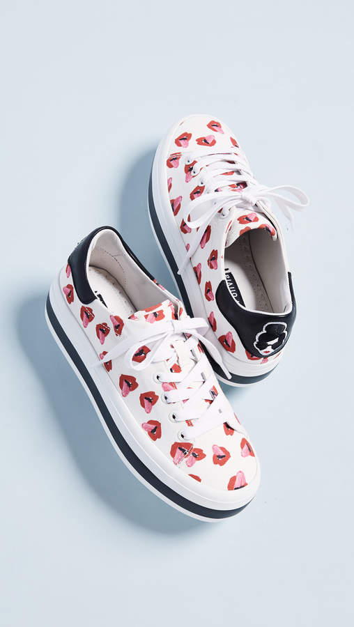 Alice + Olivia x Donald Roberston Ezra Lips Sneakers