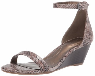 Bandolino Footwear Women's Odear Wedge Sandal