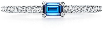 Tiffany & Co. Novo Horizon ring in platinum with a sapphire and diamonds