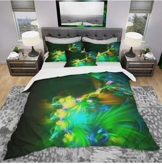 Designart 'Bright Green Fractal Flower In Dark' Modern and Contemporary Duvet Cover Set - Queen Bedding