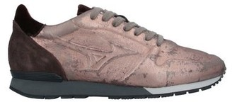 Mizuno Low-tops & sneakers