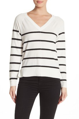 Bobeau V-Neck Exposed Seam Pullover Sweater (Regular & Petite)