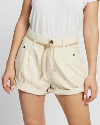 One Teaspoon ONETEASPOON - Women's White Denim - Streetwalker High Waist 80s Shorts - Size 25 at The Iconic