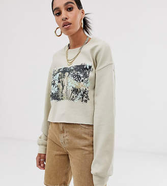Reclaimed Vintage inspired photographic cropped sweater-White