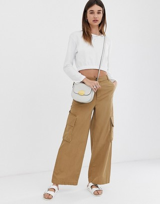 Asos Design DESIGN wide leg chino trouser with utility pockets-Stone