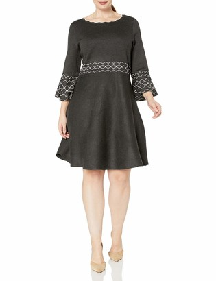 Gabby Skye Women's Plus Size 3/4 Bell Sleeve Scoop Neck Printed Fit & Flare Sweater Dress