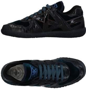 Munich Low-tops & sneakers - Item 11324934JS