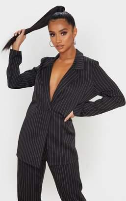 PrettyLittleThing Petite Black Oversized Pinstripe Blazer