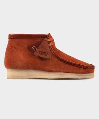 Clarks Wallabee Boot In Tan Hairy Suede