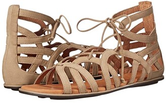 Gentle Souls by Kenneth Cole Break My Heart 3 (Gold Leather) Women's Sandals