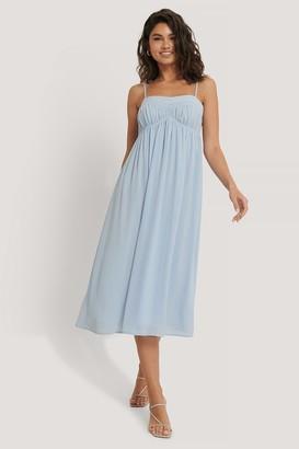 Manon Tilstra X NA-KD Chiffon Midi Dress