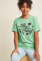 Kin Ship Weekends Welcome Graphic T-Shirt in L