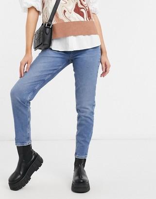 Pieces Leah high waisted mom jeans in medium blue denim