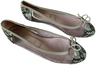 Pretty Ballerinas Beige Patent leather Flats