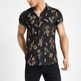 Mens Black feather print short sleeve shirt