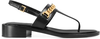 Gucci Women's thong sandal with chain