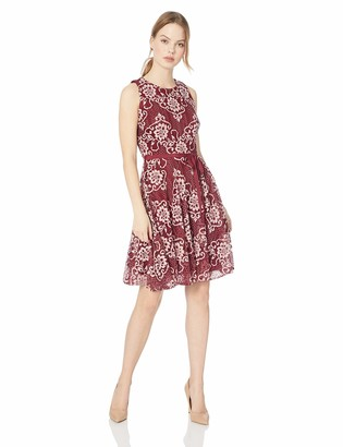 Gabby Skye Women's Petite Belted Floral Lace Dress