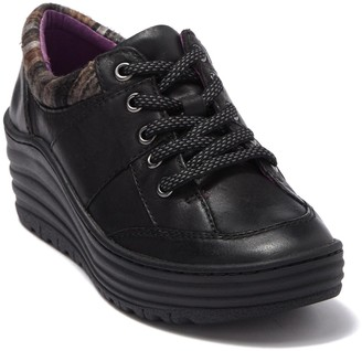 bionica Geravis Leather Wedge Sneaker