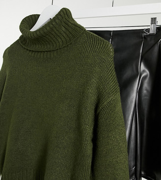 New Look Petite chunky knitted roll neck sweater in pine green