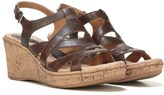 b.ø.c. Women's Chyna Wedge Sandal