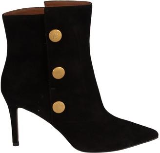 L'Autre Chose Button Embellished Ankle Boots