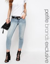 Noisy May Petite Eve Light Wash Ankle Jeans With Zip Detail